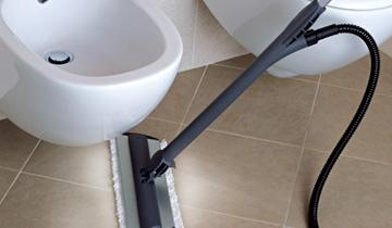 Steam Mop Vaporetto - cleaning narrow spaces