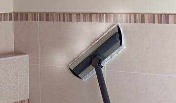 Steam Mop Vaporetto - detail of use on tiles