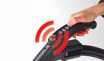 Forzaspira MC 330 Turbo - wireless remote control on the handle